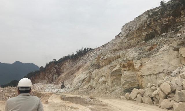 Một mỏ đá khai thác ra sản phẩm xấu nhưng phải nạp tiền cấp quyền năm 2018 rất cao. Theo đại diện chủ mỏ này, nếu áp thuế theo Thông tư 44 thì mỏ của doanh nghiệp này phải nạp gần 3 tỷ, trong khi đó, những năm trước chỉ nạp hơn 800 ngàn.