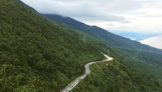 Cung đường đèo Hải Vân ngoạn mục nối liền Đà Nẵng và tỉnh Thừa Thiên Huế