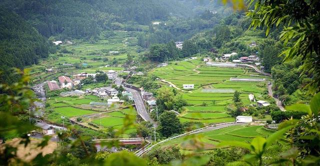 Bẻ đẹp bình yên và trong lành của thị trấn Kamikatsu nhìn từ trên cao