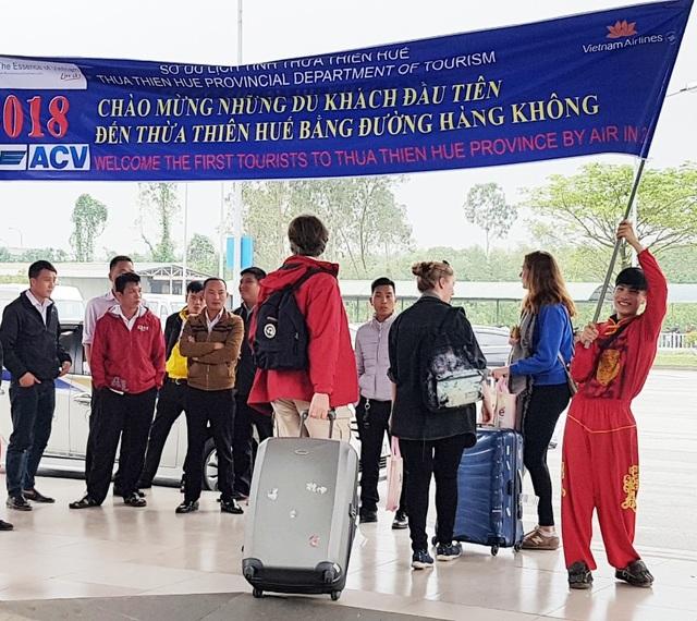 Sở Du lịch tỉnh Thừa Thiên Huế chuẩn bị chu tiếp khâu đón khách ở sân bay Phú Bài