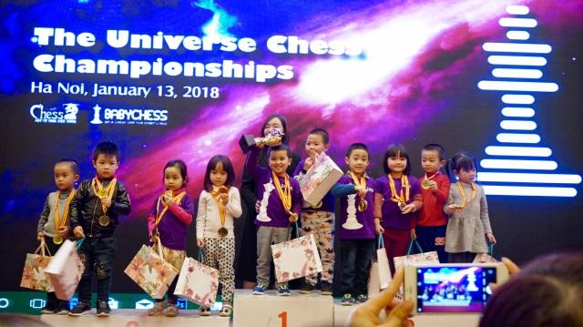 Các kỳ thủ 4 tuổi đoạt giải