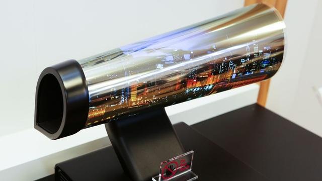 Công nghệ TV có thể cuộn tròn, mang đi du lịch như tấm áp phích - 3