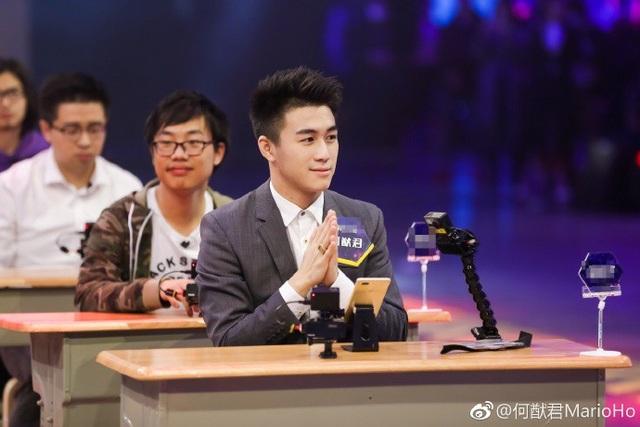 Thiếu gia 22 tuổi xuất sắc lọt top 30 trong cuộc thi Bộ não siêu Việt 2018 và vượt qua 100 thiên tài toán học.