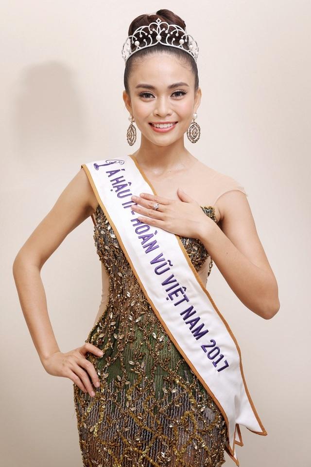Á hậu 2 Hoa hậu Hoàn vũ Việt Nam Mâu Thủy