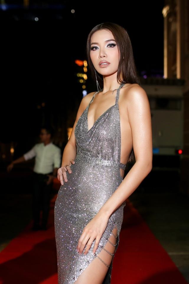 Nhìn lại một năm đã qua, Minh Tú xúc động chia sẻ, không thể phủ nhận rằng, khởi điểm cho một năm nhiều kỉ niệm với cô chính là danh hiệu Á quân tại Asia's Next Top Model.