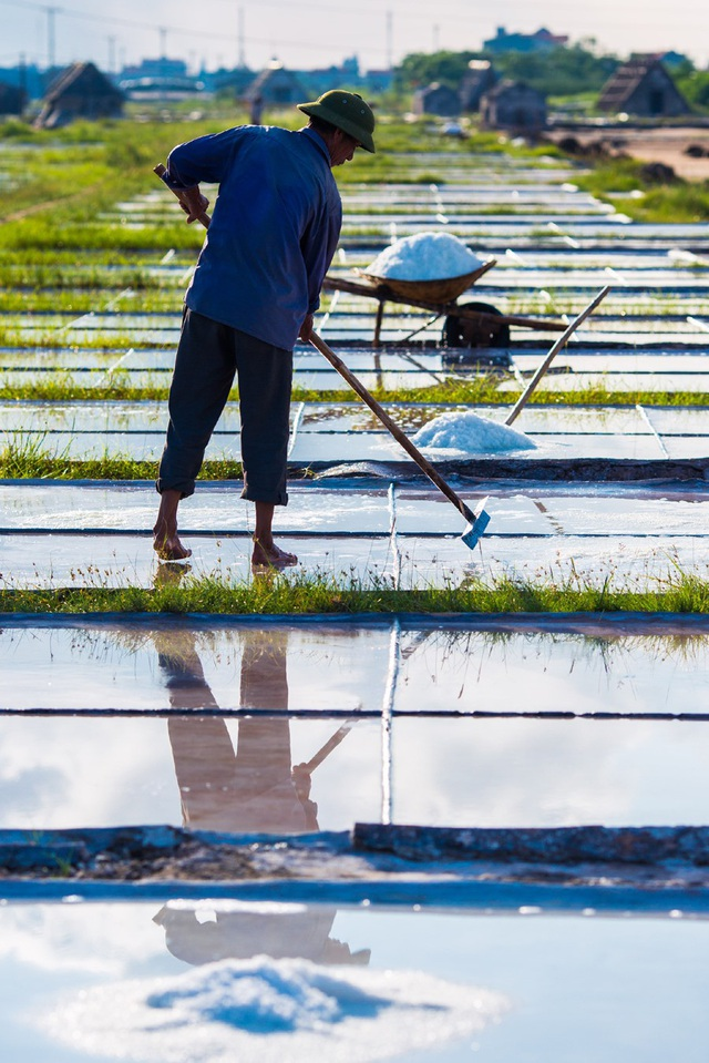 Nam Định là một trong những vựa muối nổi tiếng cả nước.