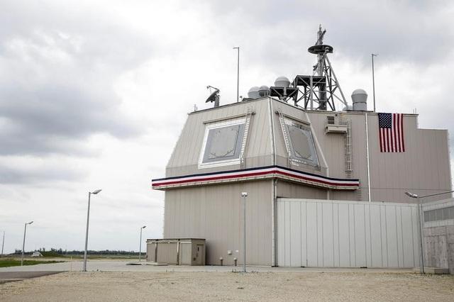 Hệ thống phòng thủ tên lửa Aegis tại căn cứ Deveselu ở Romania (Ảnh: Reuters)