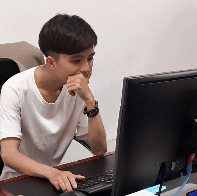Trần Tính (Phú Thọ) là nhân viên thiết kế đồ họa cho một công ty ở Hà Nội