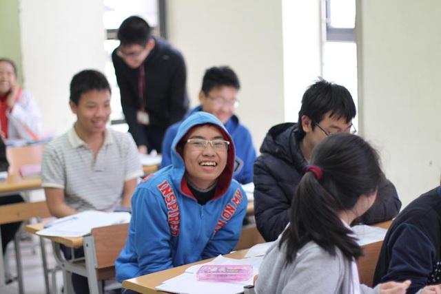 Nam Khánh từng xuất bản truyện về khoa học viễn tưởng.