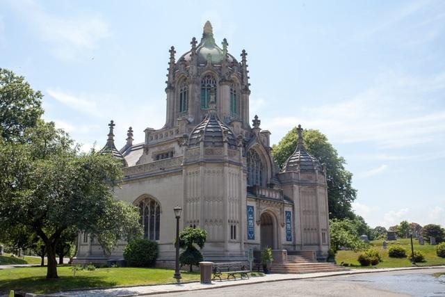 Nhà nguyện Green-Wood được khai trương vào năm 1911.