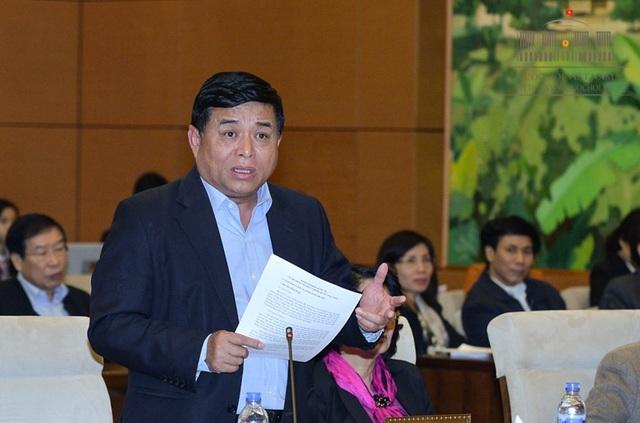 Bộ trưởng Nguyễn Chí Dũng: Thực tế, Việt Nam đang tụt hậu rất xa và bỏ qua nhiều cơ hội phát triển.