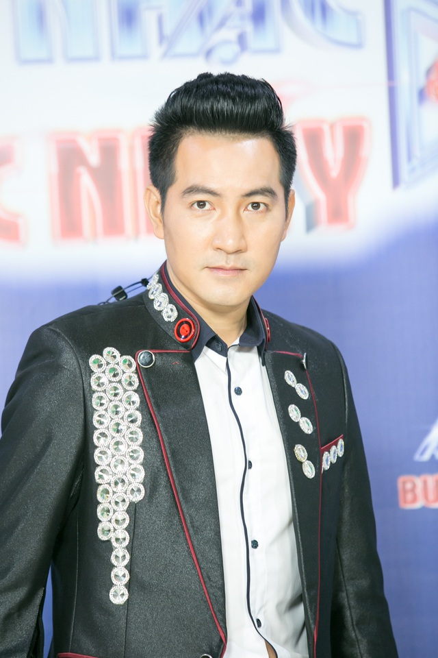 Gần 20 năm gắn bó với nghề hát nhưng Nguyễn Phi Hùng chưa dính đến bất kỳ scandal nào.