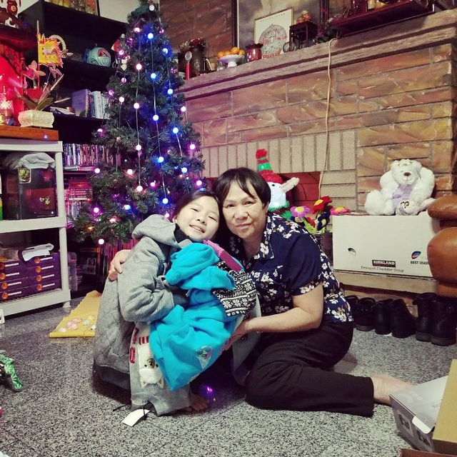 Mẹ và con gái Như Quỳnh.
