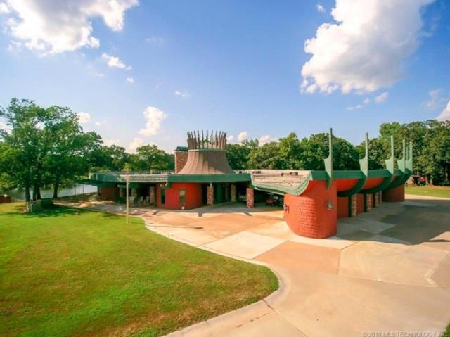 Ngôi nhà đắt nhất bang Oklahoma có kiến trúc độc đáo với diện tích gần 1.180 m2. (Nguồn: BI)