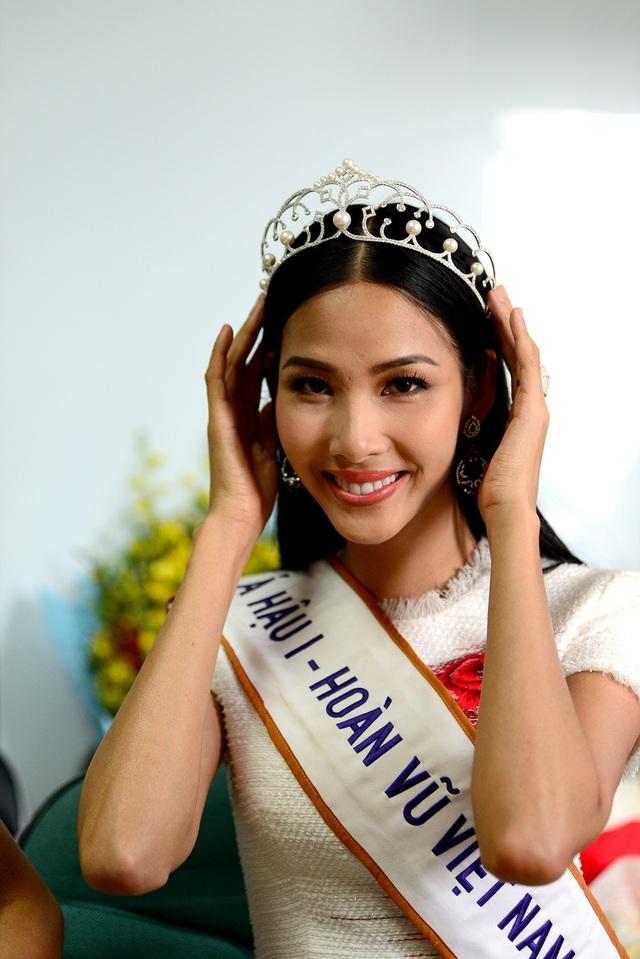 Top 3 người đẹp Hoàn vũ Việt Nam bật mí nhiều điều thú vị cùng độc giả Dân trí - 8