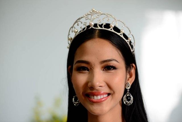 Top 3 người đẹp Hoàn vũ Việt Nam bật mí nhiều điều thú vị cùng độc giả Dân trí - 11