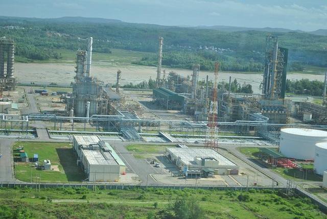 Hiện Việt Nam có 1 nhà máy lọc dầu đi vào hoạt động là lọc dầu Dung Quất. Ảnh: L.Bằng