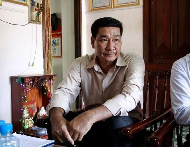 Ông Nguyễn Thế Dũng – Giám đốc HTX Quyết Thắng lo lắng khi HTX bị cắt ngang công việc