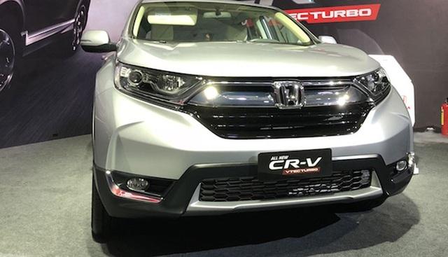 Honda CR-V 2018 nhập khẩu hồi cuối năm 2017 có giá cao hơn dự kiến tới hơn 150 triệu đồng.