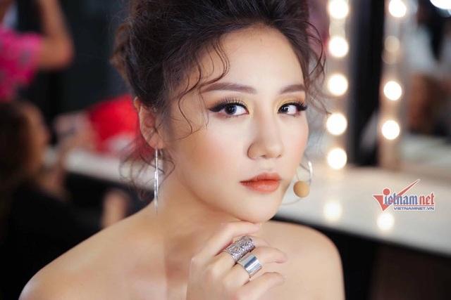 """""""Chát"""" với ca sĩ Văn Mai Hương trước thềm năm mới"""