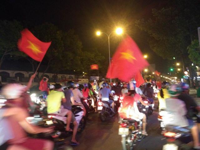 Đêm trắng sau chiến thắng lịch sử của U23 Việt Nam - 9