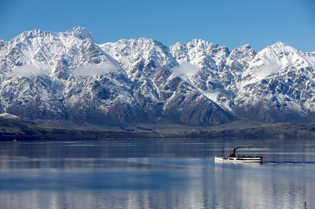 Phong cảnh tuyệt đẹp của hồ Wakatipu vào mùa đông