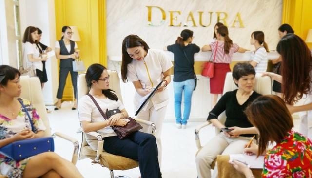 Deaura là thương hiệu không còn xa lạ đối với phụ nữ hiện đại ưa thích làm đẹp và chăm sóc da