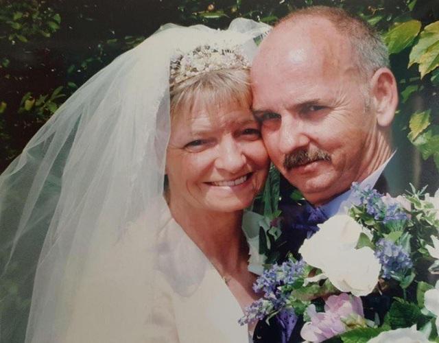 Ảnh cưới của ông Frank và bà Sandra