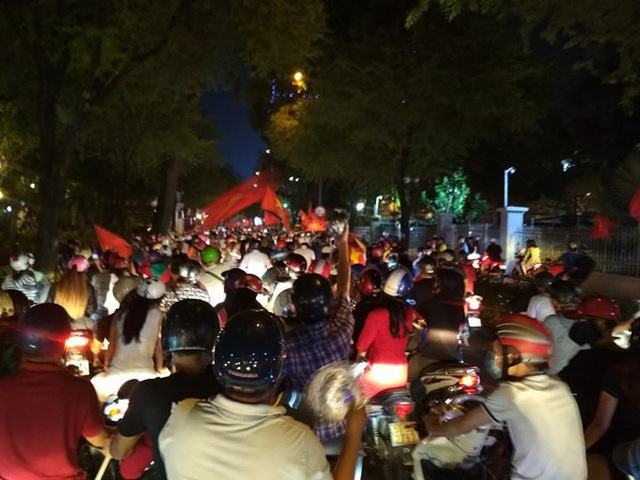 Đêm trắng sau chiến thắng lịch sử của U23 Việt Nam - 11