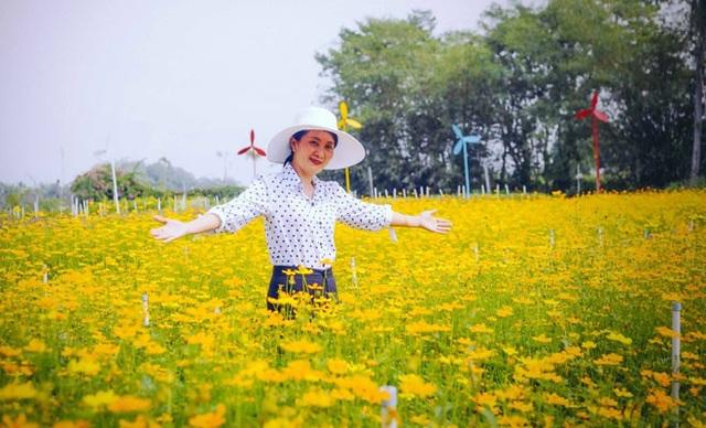 Không thể tin nổi giữa Sài Gòn có cánh đồng hoa đẹp đến thế! - 8