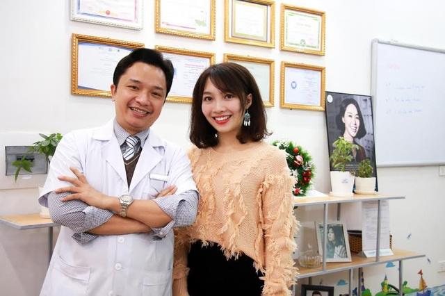 Kết quả phục hình răng sứ thẩm mỹ khiến nữ khách hàng cảm thấy hài lòng
