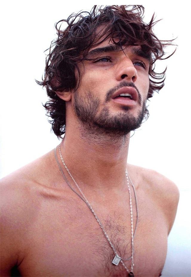 Vẻ đẹp mạnh mẽ đứng đầu thế giới của các chàng trai Brasil
