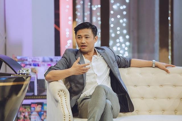 Không chỉ diễn xuất giỏi, Quý Bình may mắn còn được trời phú cho giọng hát ngọt ngào, truyền cảm.