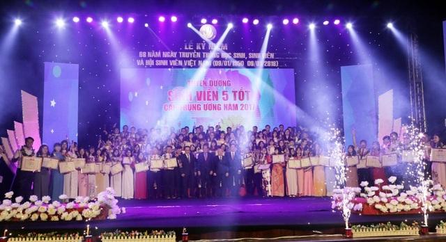 124 sinh viên được tuyên dương danh hiệu Sinh viên 5 tốt cấp Trung ương