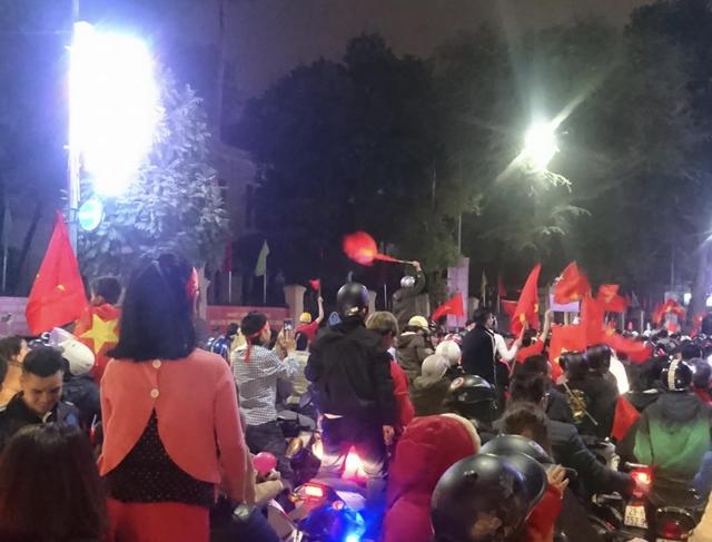 Đêm trắng sau chiến thắng lịch sử của U23 Việt Nam - 6