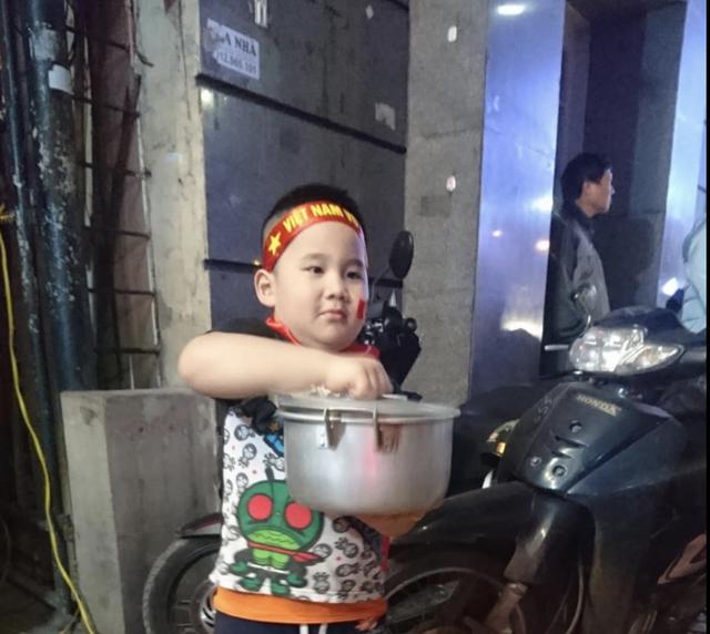 Đêm trắng sau chiến thắng lịch sử của U23 Việt Nam - 7