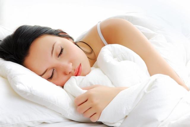 Giấc ngủ giúp bù lại nguồn năng lượng đã bị tiêu hao trong não. (ảnh minh họa)