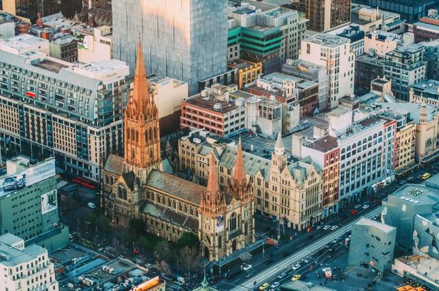 Lộ diện 10 thành phố đắt đỏ nhất thế giới năm 2018 - 6