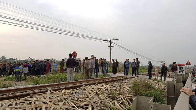 Đoạn đường ngang dân sinh giao cắt với đường sắt nơi xảy ra vụ tai nạn không có rào chắn