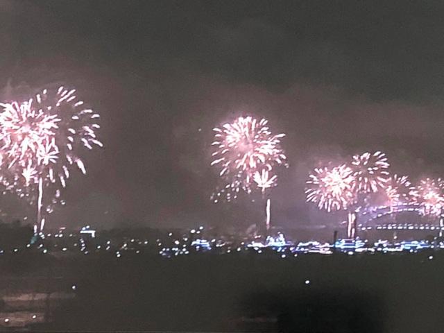 Loạt ảnh pháo hoa vô cùng đẹp mắt tại Sydney, Úc.