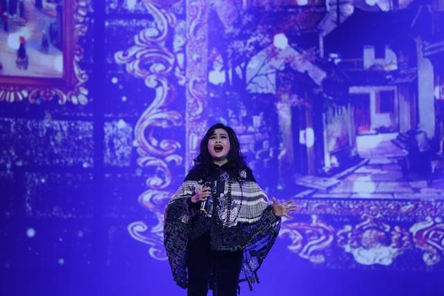 Giờ đây, Thanh Lam thể hiện các ca khúc của cố nhạc sĩ vô cùng ấn tượng. Trong đêm nhạc cuối tuần qua, giọng hát nữ diva sâu u hoài mà thênh thênh như không vướng bận bụi trần gian khiến nhạc Trịnh trở nên da diết.