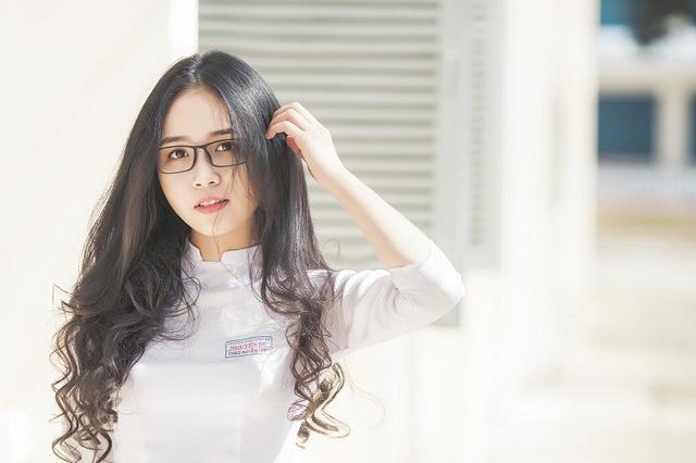 """Nữ sinh 10X đẹp tựa """"thiên thần"""" trong tà áo dài trắng - 11"""
