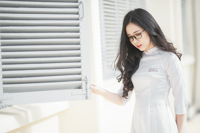 """Nữ sinh 10X đẹp tựa """"thiên thần"""" trong tà áo dài trắng - 12"""