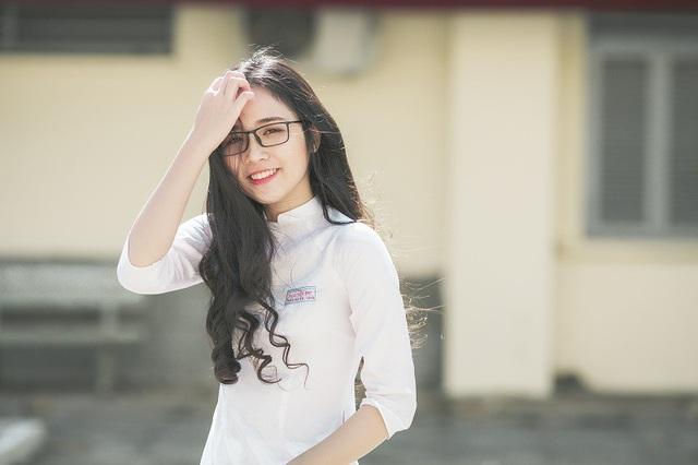 Ước mơ của Thảo Huyền là theo học ngành kinh doanh hoặc kế toán, tuy nhiên hiện tại cô bạn vẫn còn đang đắn đo trong việc chọn trường.