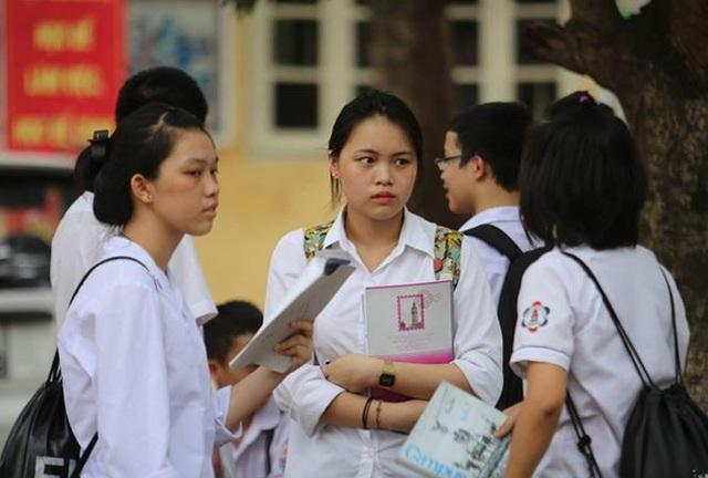 Thí sinh thi vào lớp 10 tại Hà Nội năm 2017. (ảnh minh họa)