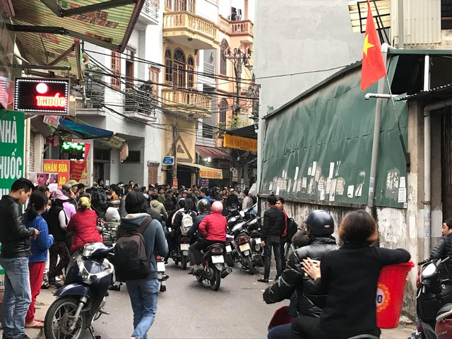 Ngõ 279 đường Hoàng Mai, nơi phát hiện thi thể người đàn ông