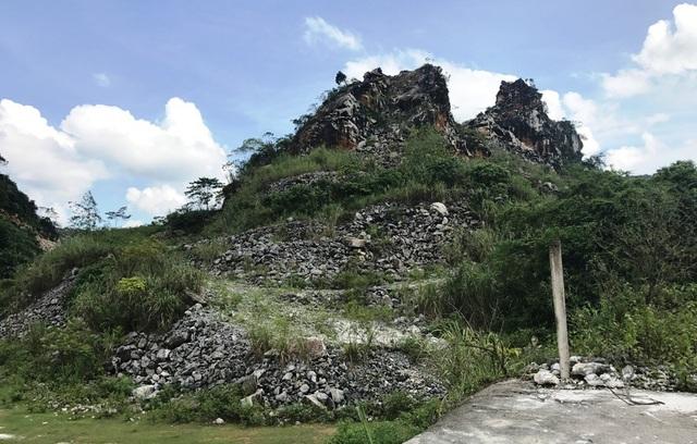 Một mỏ đá của một công ty ở Quỳ Hợp đã đóng cửa và không thể khai thác.