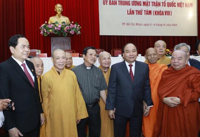 Thủ tướng đề nghị MTTQ tham gia giám sát, phản biện để đấu tranh chống các hiện tượng suy thoái, tiêu cực (ảnh: Quang Vinh)