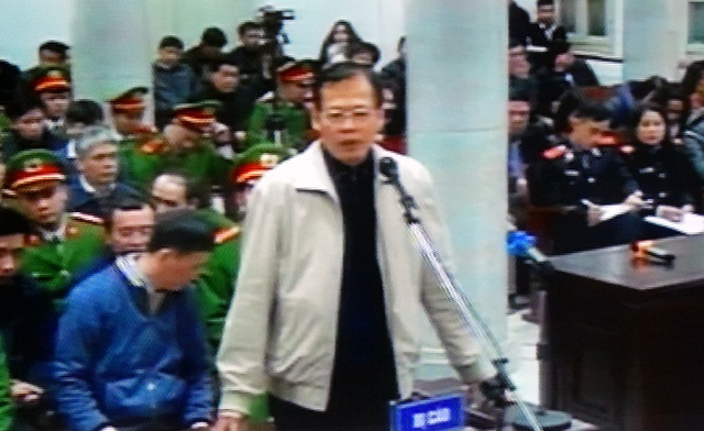 Bị cáo Phùng Đình Thực - nguyên Tổng Giám đốc PVN - tại phiên xử chiều 9/1.