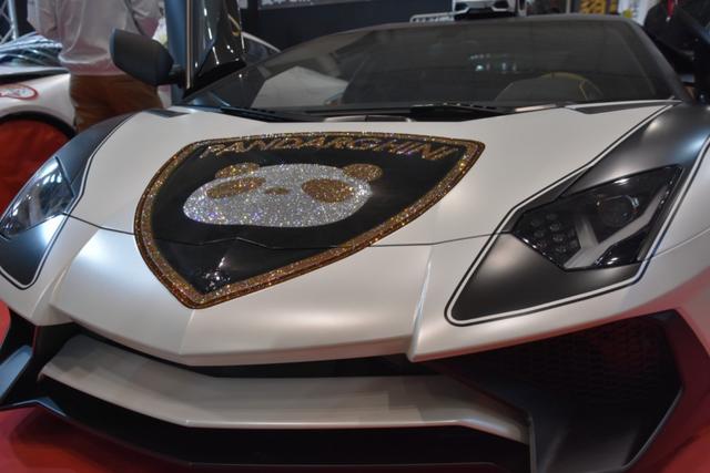 Choáng ngợp trước siêu xe Lamborghini đính 600.000 viên pha lê lấp lánh - 9